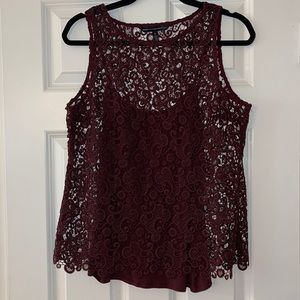 WHBM burgundy lace shell with snap in cami SzM EUC